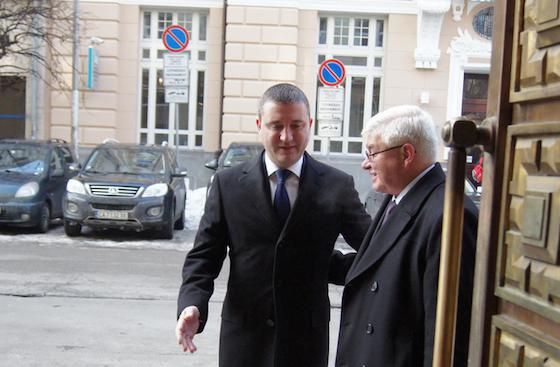 Министър Горанов се обяви срещу новата здравна вноска от 12 лв. месечно