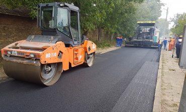 Ремонтни дейности се извършват на пътя между селата Добротич и Калоян