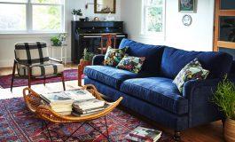 Уникален интериор със... син диван