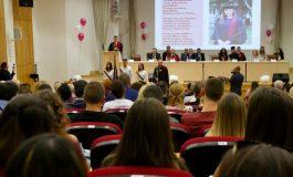 1700 първокурсници ще се обучават в Икономическия университет във Варна (СНИМКИ )