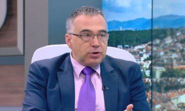 Кутев: Управлението е пред падане заради некадърност