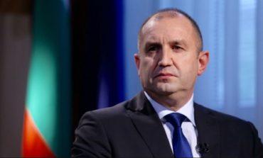 Радев: Призовавам и премиера, и министрите, и депутатите да запазят радиомълчание