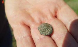 Бронзови монети и битова керамика се появиха при разкопките в Девня