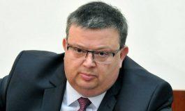 Цацаров при Слави: Има обвинени висши политици, ще има и още