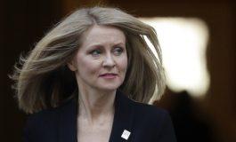 С трета министерска оставка правителството в Лондон върви към разпад