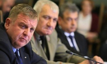 Красимир Каракачанов: Засега към България няма искане от НАТО за повече кораби в Черно море