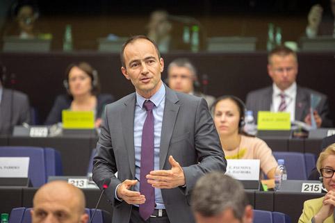 150 000 гласа и си в Брюксел със €150 000 годишна заплата