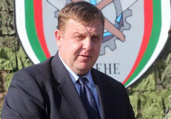 Каракачанов: Докато аз съм министър няма да позволя никой да вдигне ръка срещу български войник!