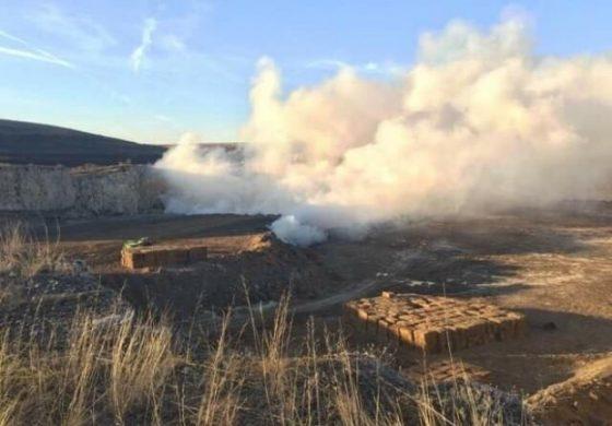 Пожар в хранилище на химически завод обгазява Девня и околните селища