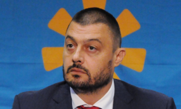 Бареков: Джамбазки е неблагодарник, плюе там, където дълго време яде