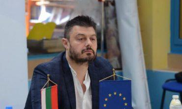БАРЕКОВ: Джамбазки два пъти излъга избирателите ми! Кога ще върне парите, които незаслужено прибра от Брюксел?!