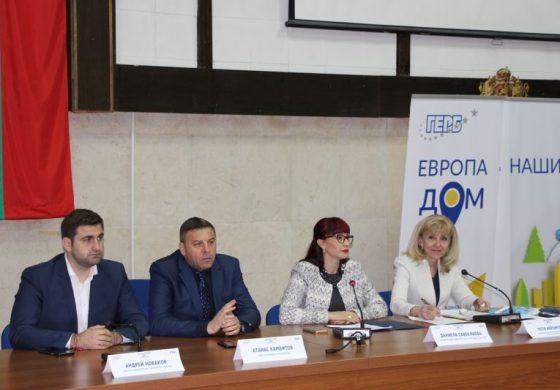 """Петя Аврамова: Само 40,6 км от АМ """"Струма"""" остават за доизграждане"""