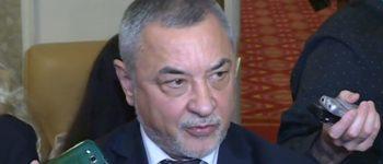 Симеонов: Борисов е готов да хвърли в бездната всеки, за да продължи да се кандилка отгоре на властта