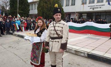 Кметът на Девня облече опълченски одежди за националния празник