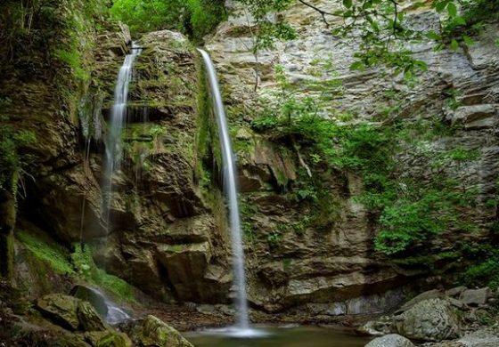 Водопадът на село Поляците, община Дългопол