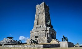 Джамбазки: Да спасяваме Паметника на Шипка, не да плачем за французите