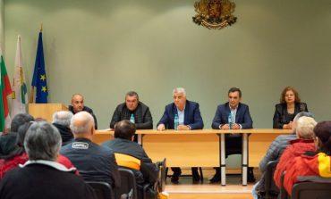 Кандидати за евродепутати от БСП за България се срещнаха с граждани в Дългопол
