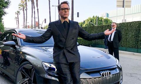 """Тони Старк пристигна с Audi e-tron GT на премиерата на """"Отмъстителите: Краят"""""""