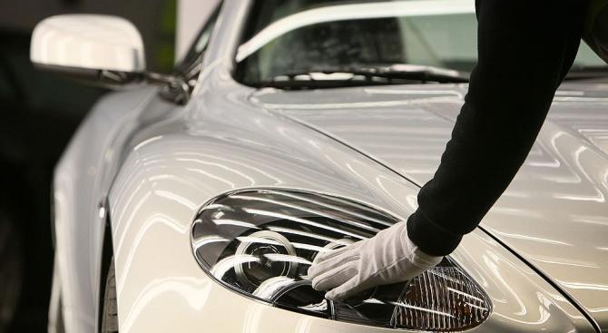 Луксозни марки платиха 75 млн. британски лири, за да ги използва Джеймс Бонд