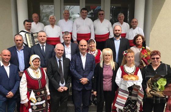 Цветан Цветанов посети варненските села Здравец и Царевци