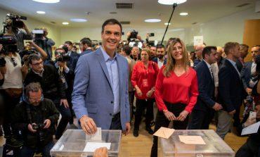 Социалистите печелят убедително на изборите в Испания