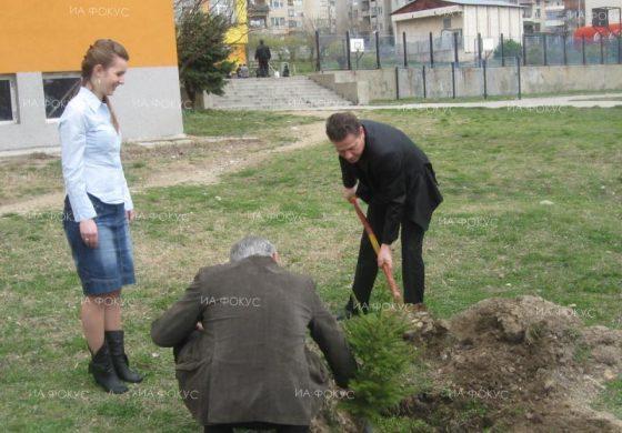 Инж. Деян Иванов, кмет на Белослав: За четвърта година организираме акция за засаждане на дръвчета по повод Деня на земята