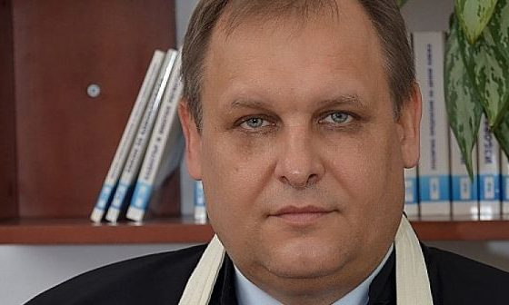"""Чолаков: В закона трябва да се предвиди временното отстраняване на един от """"Тримата големи"""""""