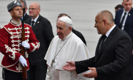 Папата на летището: Останах много доволен, защото сте здрав народ! Сейте добро, изграждайте мир!