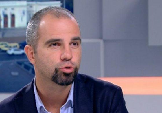 Първан Симеонов: За пръв път от години виждаме Бойко Борисов да прави сам кампанията си