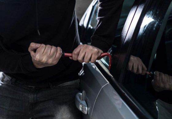 Пет момчета откраднаха кола в Белослав