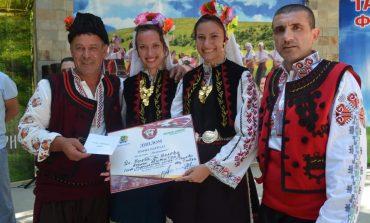 Фолклорен конкурс в Девня оцени най-добрите танцьори (снимки)