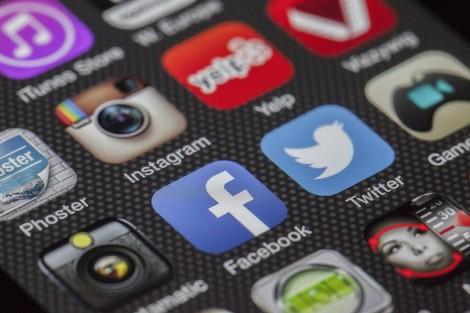 По-малко време в социалните мрежи намалява риска от депресия