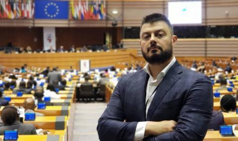 Бареков: Цветанов е скритият купувач на ЧЕЗ, ще рекетира Борисов