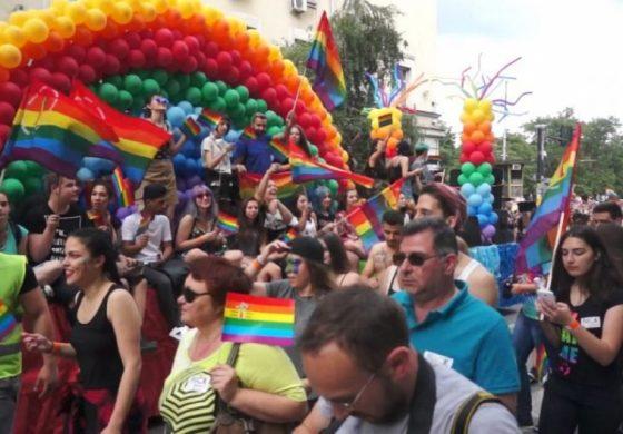 АТАКА пита Фандъкова: Какво ни струва гей-парадът в София?