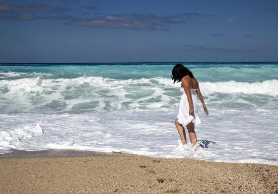 """Само """"Къмпинг Луна"""" в Бяла и още един плаж са с кристално чиста вода"""