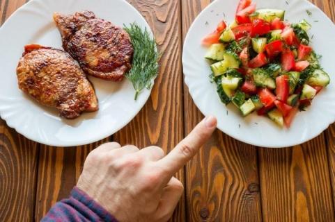 Лято е – внимавайте много с храната!