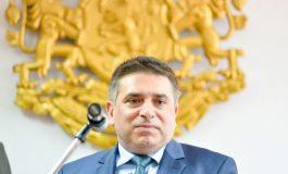 Кирилов подава оставка, ако до есента не отпадне мониторингът за правосъдие