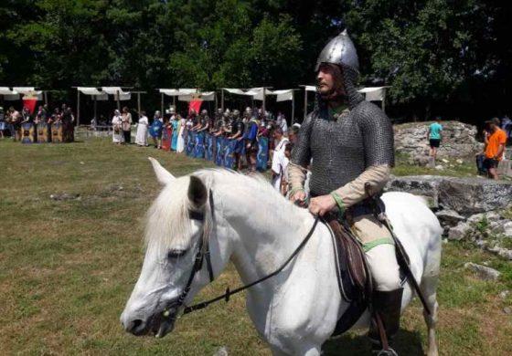 Гладиаторски битки и посрещане на императора в Девня (СНИМКИ)