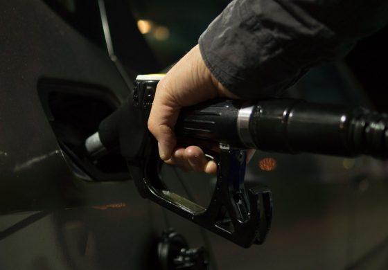 Протестно автошествие срещу цените на горивата