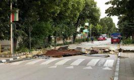 Ураганен вятър се изви в Дългопол  Копирано от: https://novavarna.net Нова Варна ©