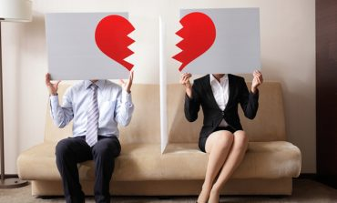 Как различните зодии се справят с развода