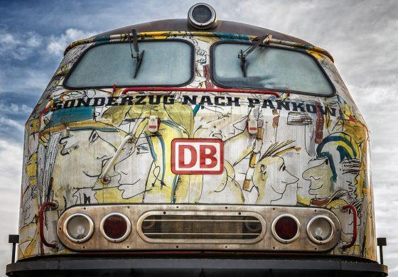Уникален локомотив ще пътува от София за Бургас