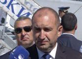 Президентът Радев свежда чело на Петрова нива пред подвига на преображенци