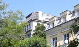 Терасата на Лили Иванова е по-свещена и извисена от терасата на шефа на КПКОНПИ