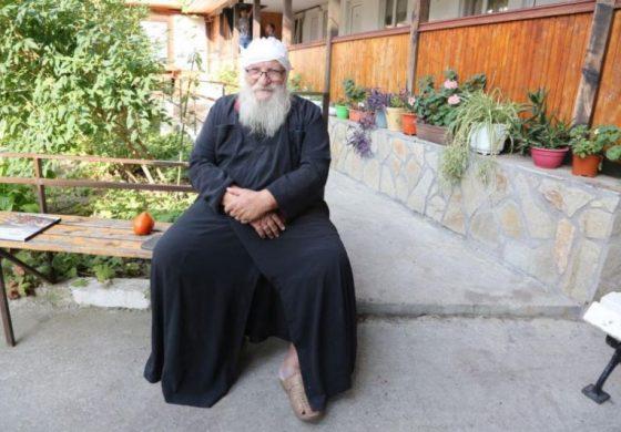 Отец Иван: Ако не се бях спънал в расото по време на боя, сега щях да съм мъртъв