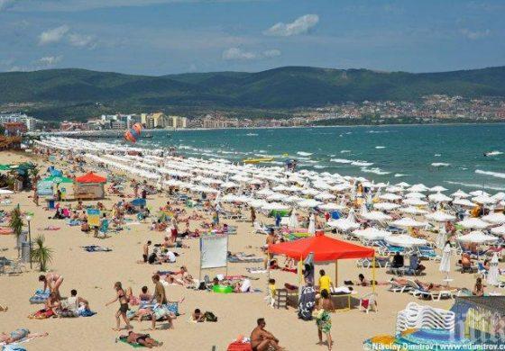 Делят курортите на две: За купони и за семеен отдих