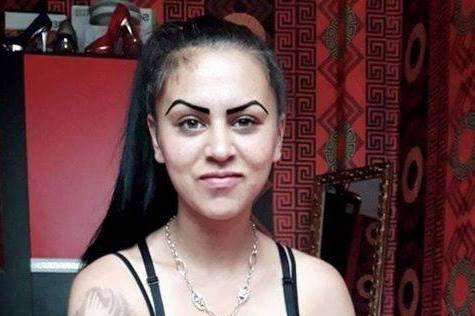 Издирват 17-годишно момиче от Девня