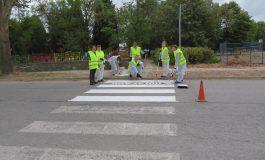 За първия учебен ден Солвей Соди боядиса пешеходни пътеки в Девня