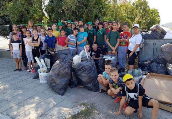 2,5 тона боклук събраха доброволци в Девня
