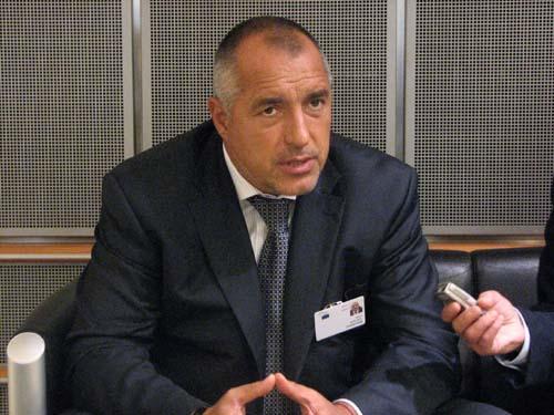 Борисов: Моля медиите да спрат да тиражират новини как ще взимаме децата на хората